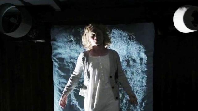 amelia-levitate