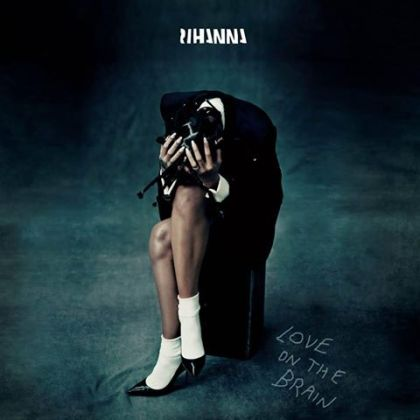 rihanna-love-brain-tgj